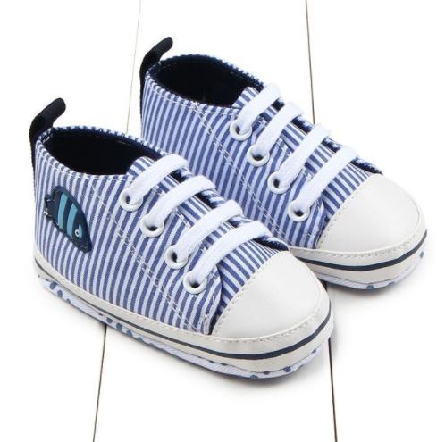 088 Tenisky pruhované modro-bílé - 99,-
