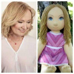 Ručně šitá terapeutická panenka je nejen hračka pro děti, ale i pomůcka pro seniory.