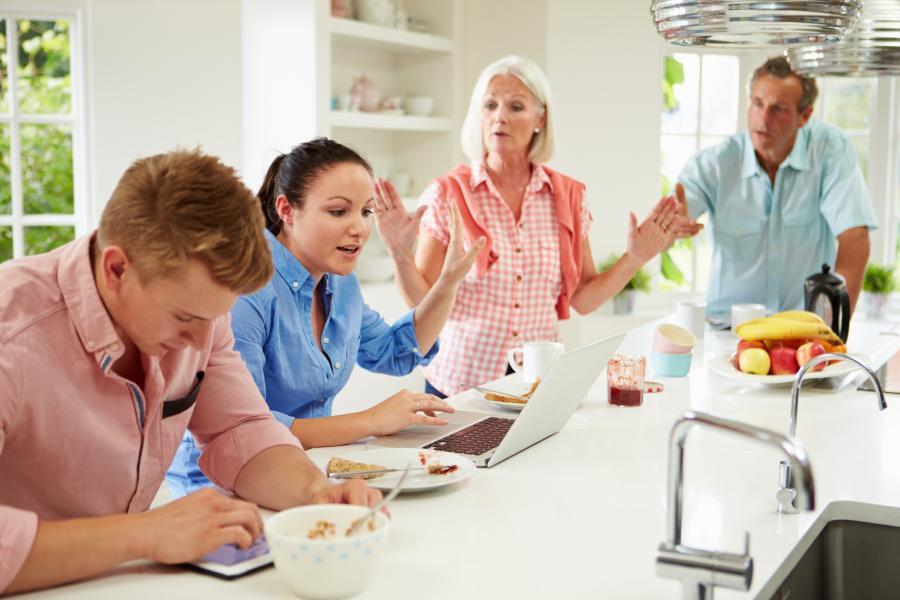 Jak si udržet hranice s problémovými členy rodiny
