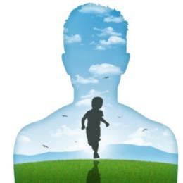 Léčení vnitřního dítěte pomocí online kurzu a terapeutických panenek