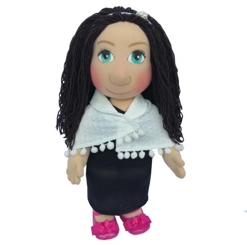 Panenka 40 cm černé šaty a bílý pléd