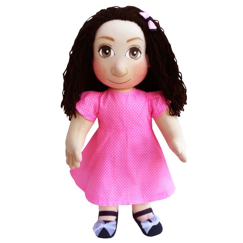 Panenka 60 cm sytě růžové šaty s drobnými bílými puntíky