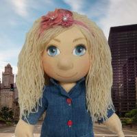 Ručně šitá terapeutická panenka blondýnka